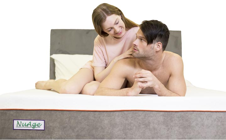 couple-on-nuage-mattress